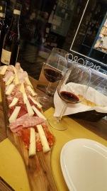 vino + charcuitterie + formaggio